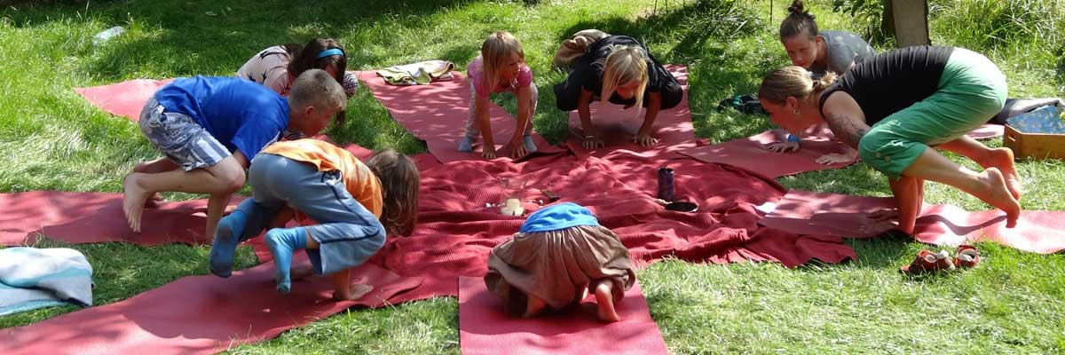 Die Yoga in Kyritz ``Kinderbande``